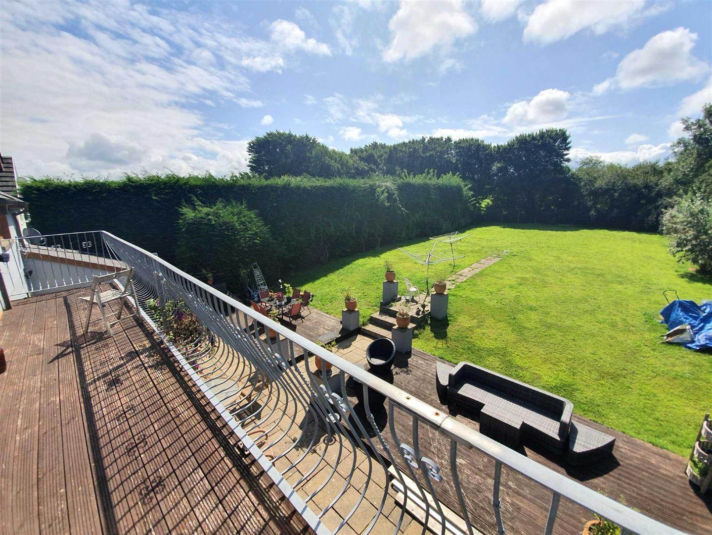 Bryn Gower House, Llanrhidian, Swansea, SA3 1EE